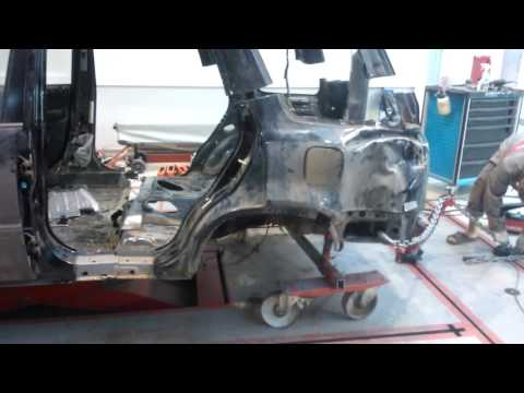 Отстыковка задней части Хонда CR-V на напольном стапеле