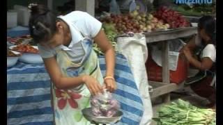 Burmese Friday market experiences economic slowdown