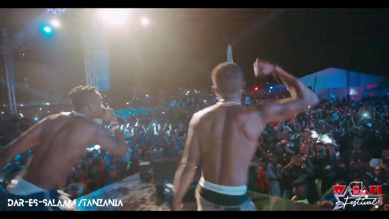 Diamond Platnumz & Wizkid Perfoming live BABALAO ( WASAFI FESTIVAL DAR 2019)
