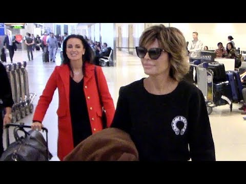 Real Housewives Lisa Rinna, Kyle Richards, Erica Jane And Teddi Jo Mellencamp Jet Out Of Town