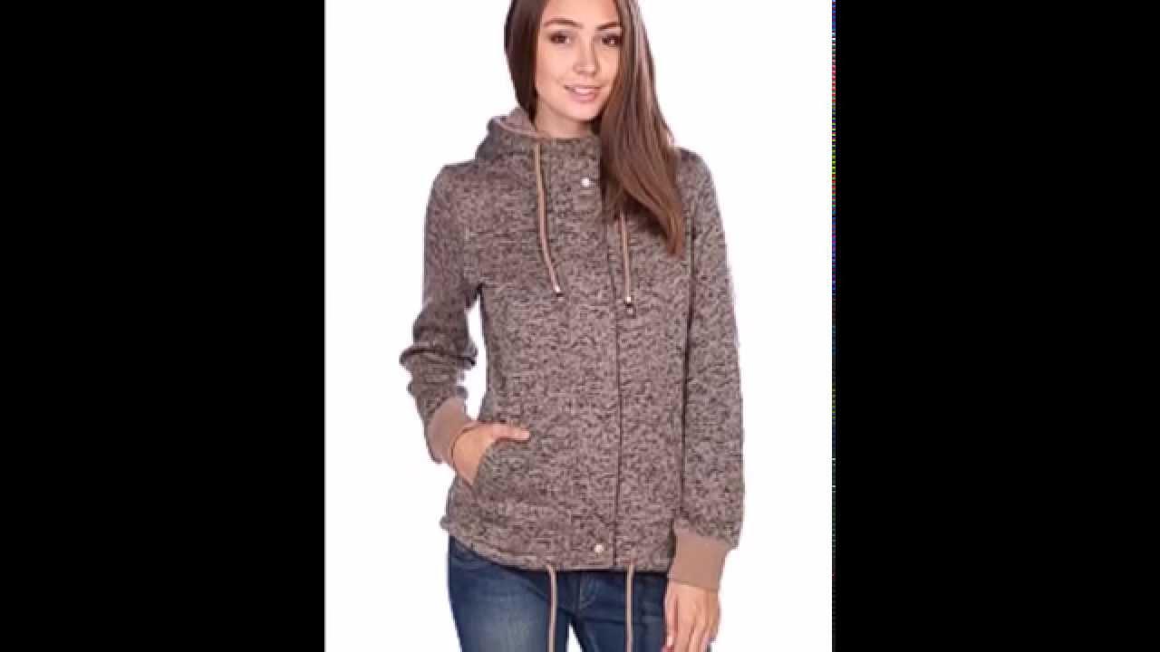 Уличный шик или спортивный шарм — большой выбор худи и классических свитеров в стиле «колледж».