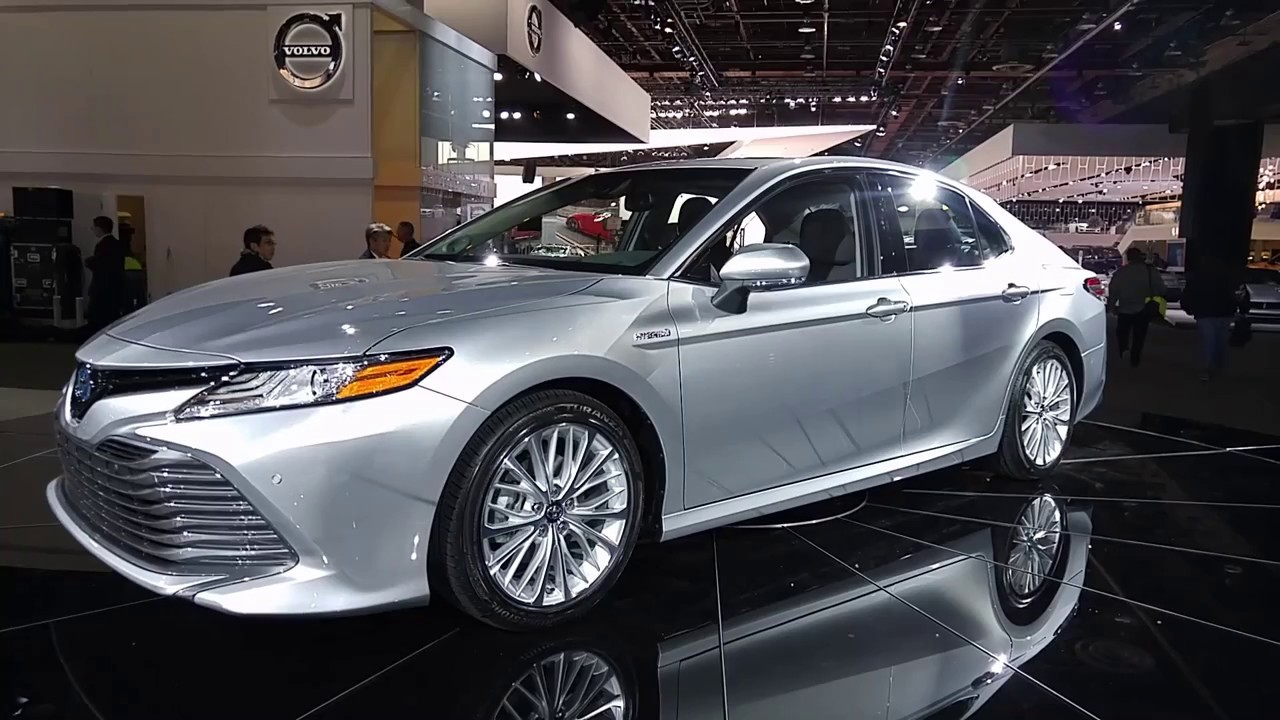 #2017NAIAS - 2018 Toyota Camry Hybrid Interior/Exterior Overview - YouTube
