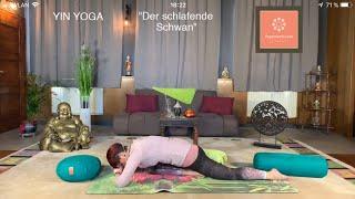 """""""Der schlafende Schwan"""" Yin Yoga"""