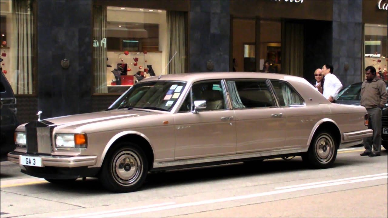 Rolls royce silver spur stretch mulliner park ward limousine seen in hong kong