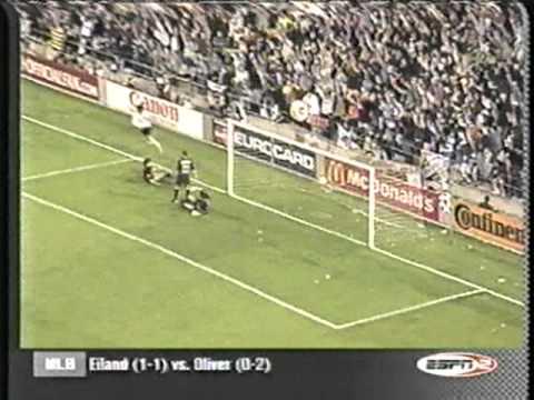 2000 May 3 Valencia 4Barcelona 1 UEFA Champions LeagueSemifinals, First leg.mpg