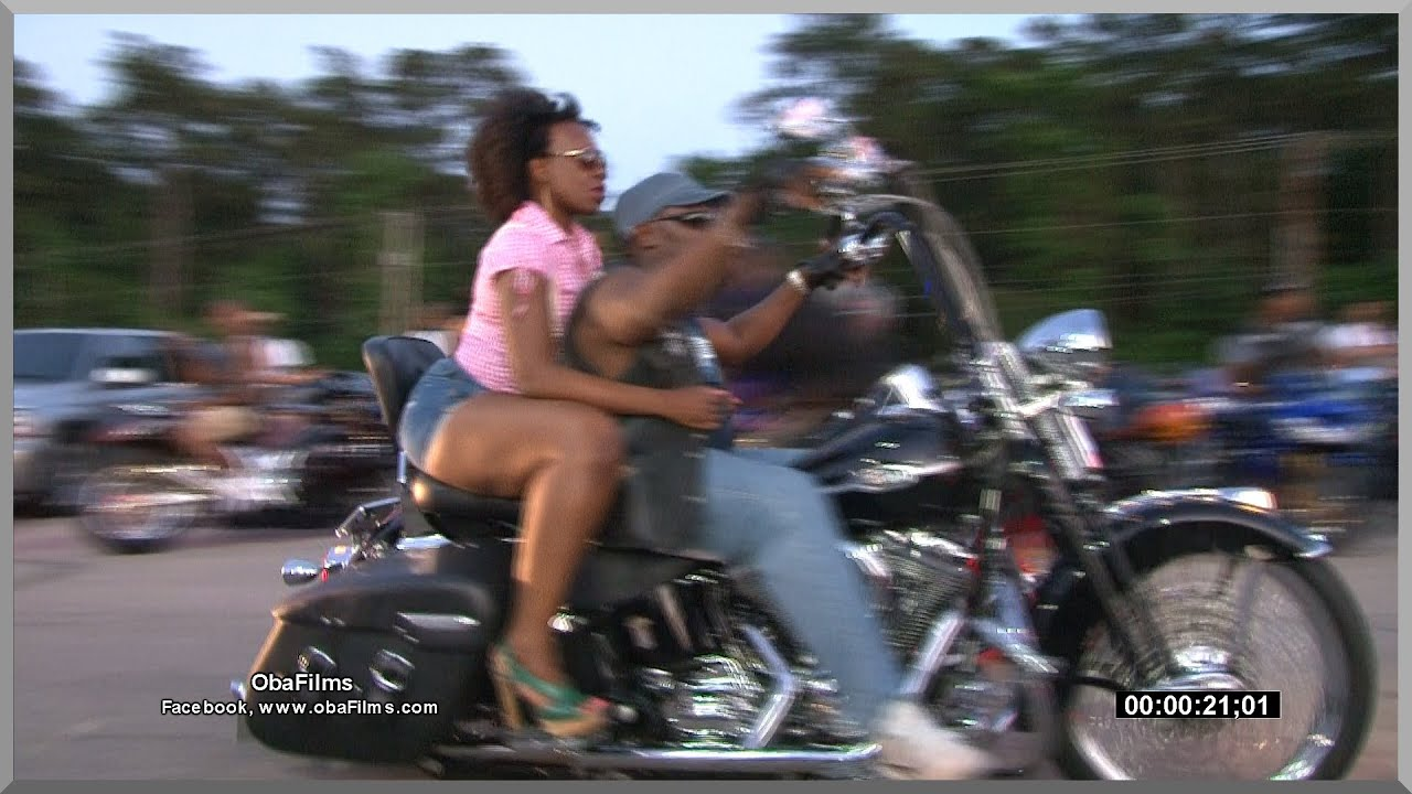 Black bike week asses grandes