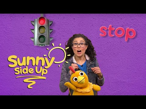 Sunny Side Up: Red Light, Green Light with Carly & Chica | Universal Kids