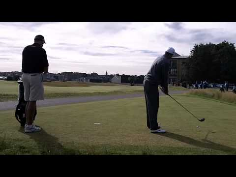 Tiger Woods hits 4 balls of the tee on the 17th at St Andrew,British Open 2010