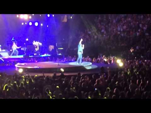 Lee Brice Drinking Class 91214 MADISON SQUARE GARDEN