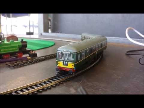 OO Bachmann 2 car DMU class 105 Green BRM5077 and M50812 unboxed Locomotive