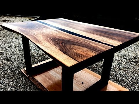 DIY | River Coffee Table With Black Epoxy Resin