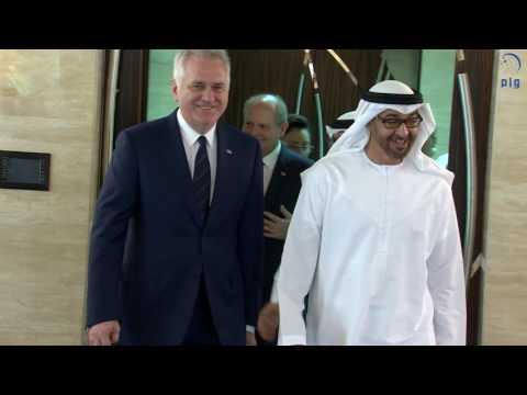 محمد بن زايد يستقبل الرئيس الصربي