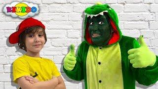 Funny kids и ЖИВОЙ ДРАКОН PLAYMOBIL SUPER 4? Как приручит Дракона for children Кикидо