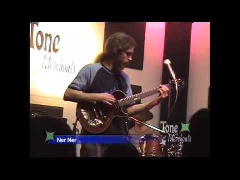 Guthrie Govan - Live At Tone Merchants 2005 (HD)