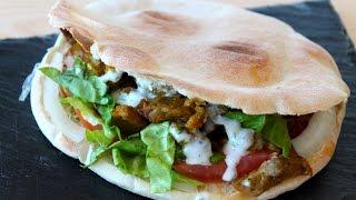 Shawarma o kebab casero (auténtica receta árabe) con salsa de yogur sin lactosa