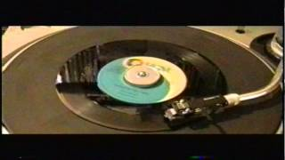CONNIE FRANCIS - LIPSTICK ON YOUR COLLAR