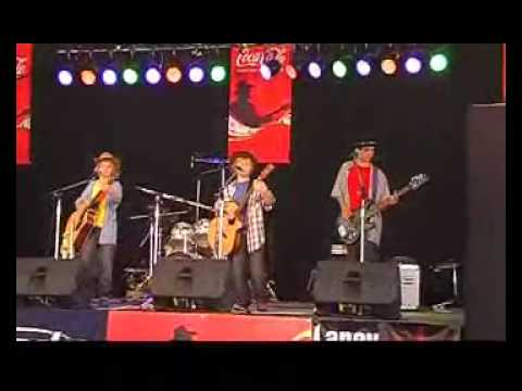Road To Carcalgong (Live) - Brothers 3 @ Tamworth Country Music Festival 2010