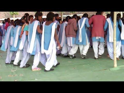 Girls Vs Boys Khatarnak Nagpuri Chain Dance || High School Kotba 2019
