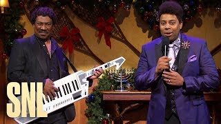 Cut for Time: Holiday Gig - SNL