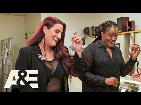 Storage Wars: Edwina and Shana Score Big with Pens (Season 12) | A&E