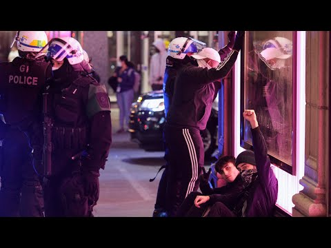 Second night of anti-curfew protests in Montreal met with heavy police presence