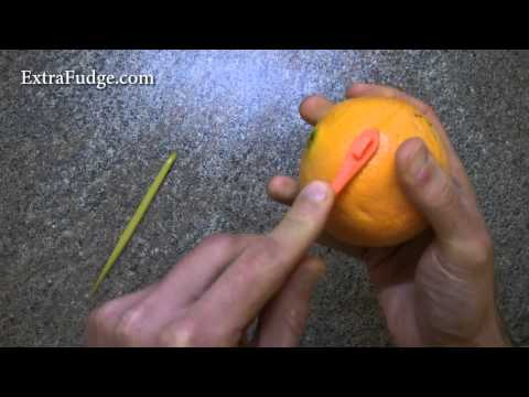 Tupperware Vs. Pampered Chef Orange/Citrus Peelers Comparison Review and Demonstration