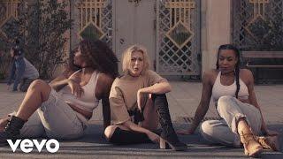 Julia Adams - Spegelbild ft. Mwuana