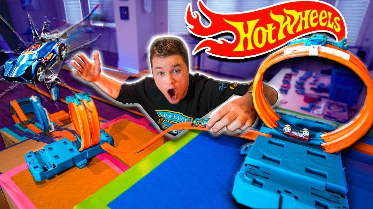 worlds-biggest-hot-wheels-stunt-park-challenge-stunts-loops-racing-cars-more