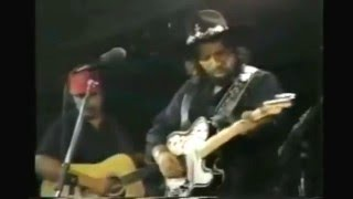 Waylon Jennings - I Ain't Living Long Like This - Live 1980