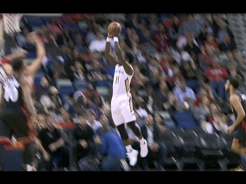 Jrue Holiday Crosses Over to a SICK, Acrobatic Reverse Lay-Up | 03.08.17