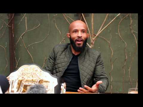 UFC champ Demetrious Johnson says 10 title defenses just a stepping stone