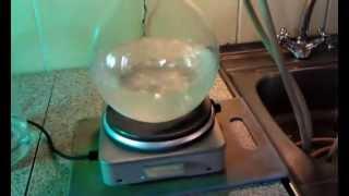 Аппарат для перегонки - получения дистиллированной воды в быту(Дистиллятор бытовой малой вместимости предназначен для получения в домашних условиях дистиллированной..., 2013-03-29T09:33:40.000Z)