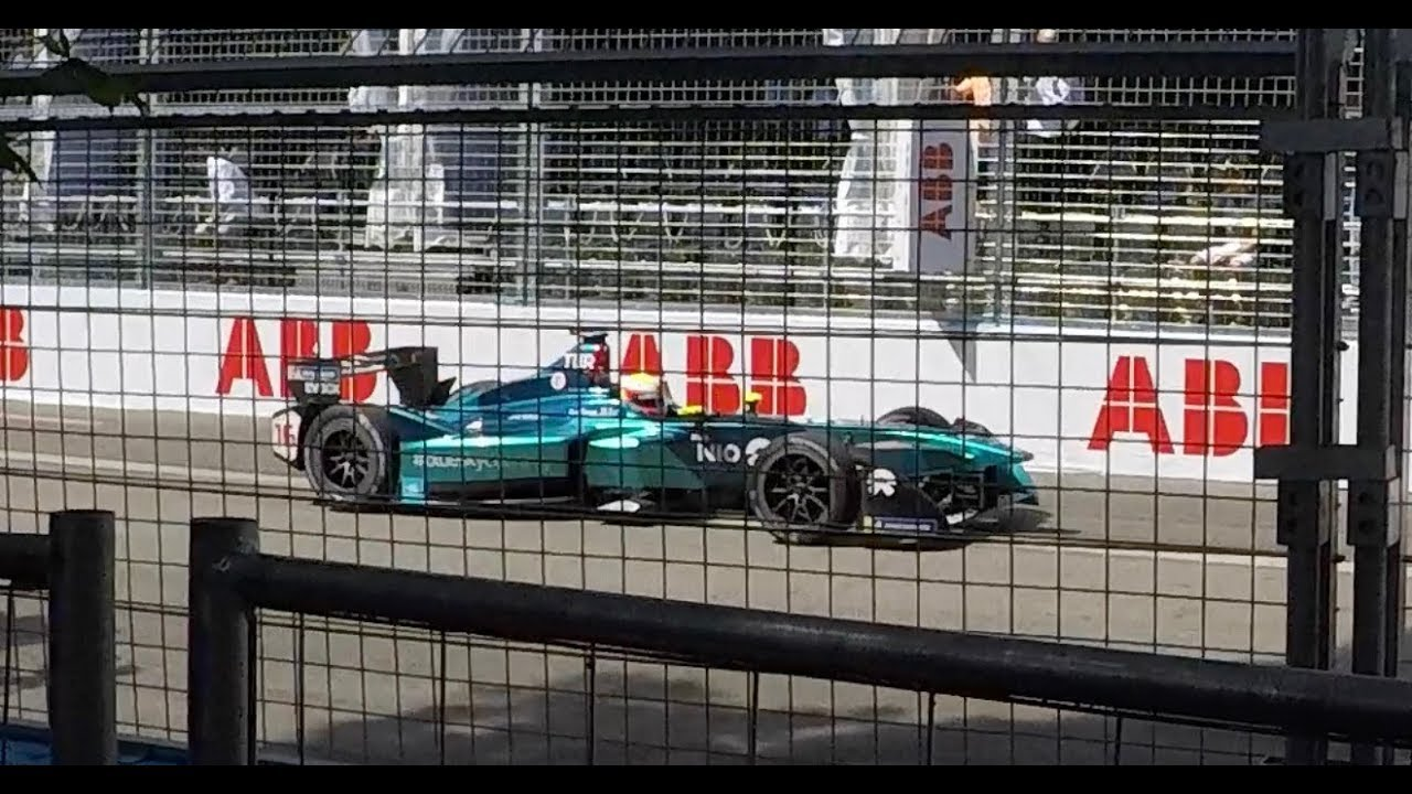 Formel E Zurich 2018 - Fence video directly at the track