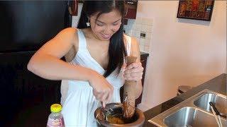 Papaya Salad (som Tum) ส้มตำ - Hot Thai Kitchen!