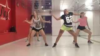 Reggaeton choreo by Lesssi - Salgo