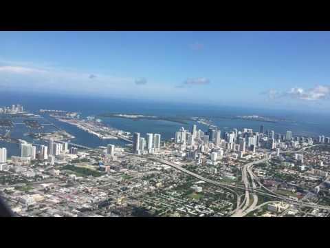 Abflug Miami International mit Blick auf Miami Downtown, Beach, Biscayne Bay + Venetian Island