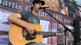 "Mo Pitney sings ""The Old Stuff"" at CMA Fest 2015"