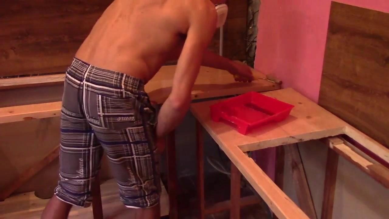 Покрытие деревянной столешницы лаком. Каким лаком покрывать столешницу кухни.