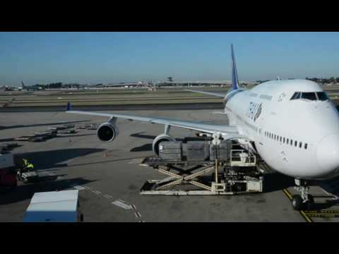 Thai airways Economy - 747 Sydney-Bangkok TG476