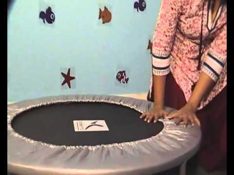 Domyos trampoline mt 100 youtube - Petit trampoline decathlon ...