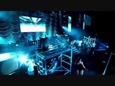 Rihanna - Push Up On Me (Live)