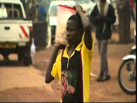 2010 - Uganda: un paseo por la miseria en Kampala. Es Posible - Canal Sur TV y Manos Unidas