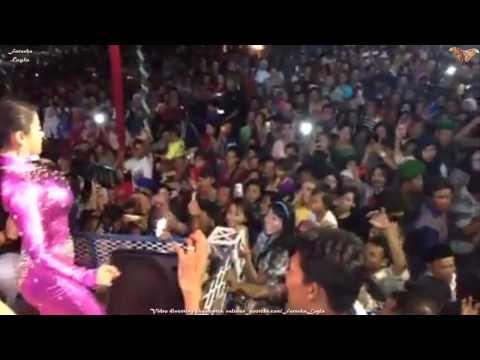 Dewi Persik Goyang Gelek Buka Sitik Jos Indramayu (Part 3)
