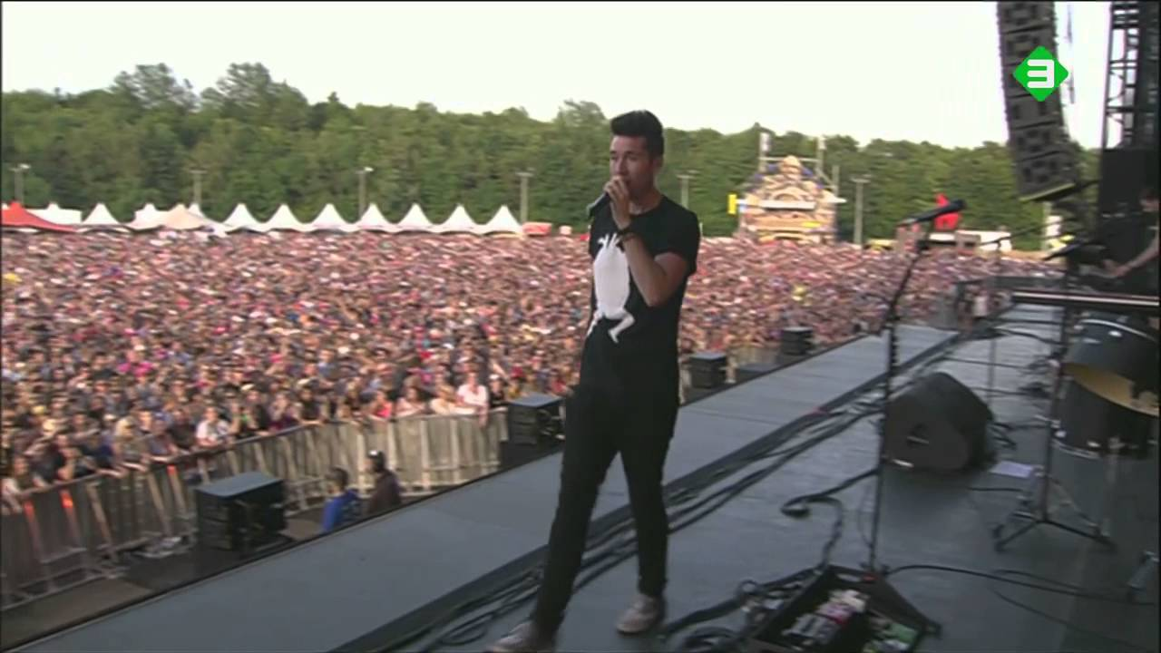 Download Bastille - Things We Lost In The Fire (Pinkpop 09-06-2014)