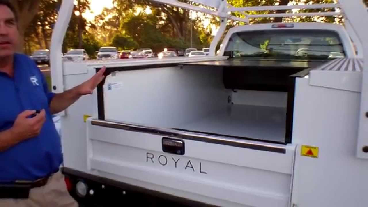 Retractable Roll Top From Royal Truck Body Youtube