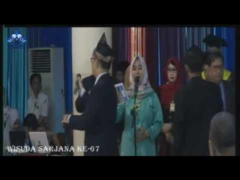 Bidadari Surga - Uje' Nasyid Indah 3 Wisudawan UIN Raden Fatah Palembang Di saat Wisuda mereka