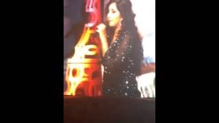Download Hindi Video Songs - Radha | SOTY | Shreya Ghoshal sings Live | Mumbai
