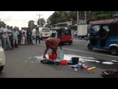 Performance Art @ Down Town Pulse (Pannipitiya Junction)