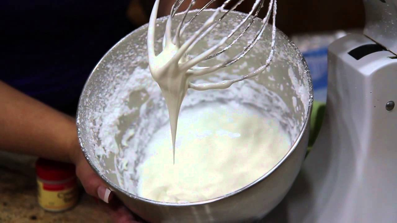 Cake Decoration With Icing : How To Make Royal Icing / Cake Decorating - YouTube