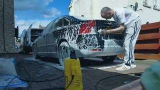 Diamond Automotive Valeting & Detailing - Washing and Drying a car.